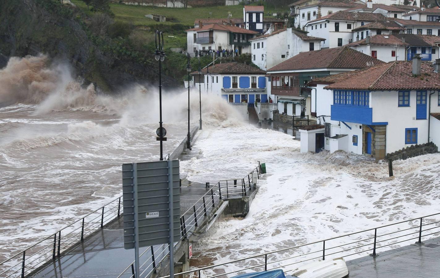 El temporal en Tazones